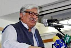 Пакистанский политик Асфандьяр Вали Хан выступил против притеснения афганских беженцев