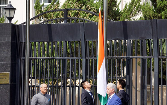 Индия и Пакистан усилили ШОС, но не избавили от рисков