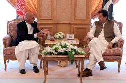 Ашраф Гани обсудил афганский мирный процесс с премьер-министром Пакистана