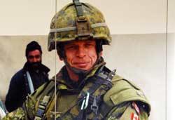 НАТО солдат