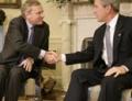 НАТО: Талибы используют мирных жителей как живой щит