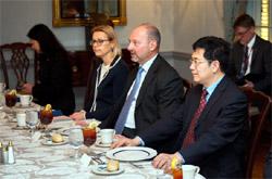 Представители США и ЕС обсудили афганский мирный процесс